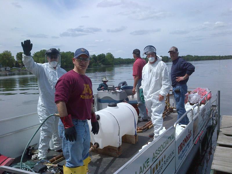 2013 Spraying for Curlyleaf Pondweed